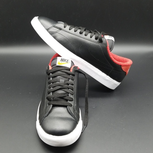 nike classic mens shoes